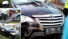 Jelang Berbuka Puasa, Satu Minibus Hancur Terseret Kereta Api Sibinuang di Padang
