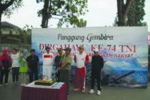 HUT TNI Ke 74 di Kota Bukittinggi Penuh Keakraban