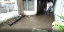 Saat Hujan Turun, Warga Kota Painan Merasa Cemas