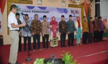 Dewan Pendidikan Sumbar 2019-2024 Dikukuhkan, Inilah Pesan Gubernur Irwan Prayitno