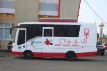 Bupati Dharmasraya Serahkan Satu Unit Mobil Donor Darah Keliling Untuk PMI