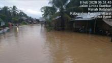 Diguyur Hujan Semalaman, 150 Rumah Warga di Batahan Pasbar Terendam Banjir