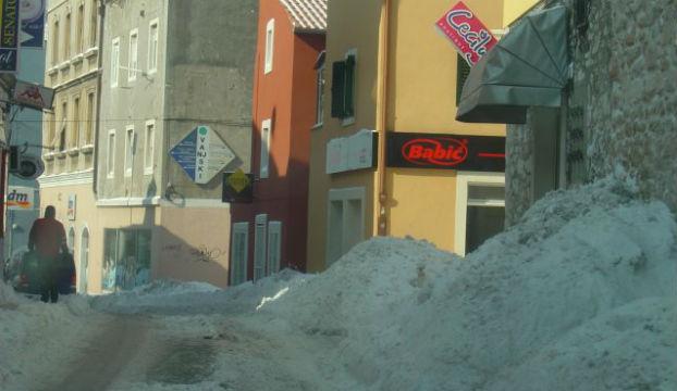 snijeg-vanjski-sibenik-2012
