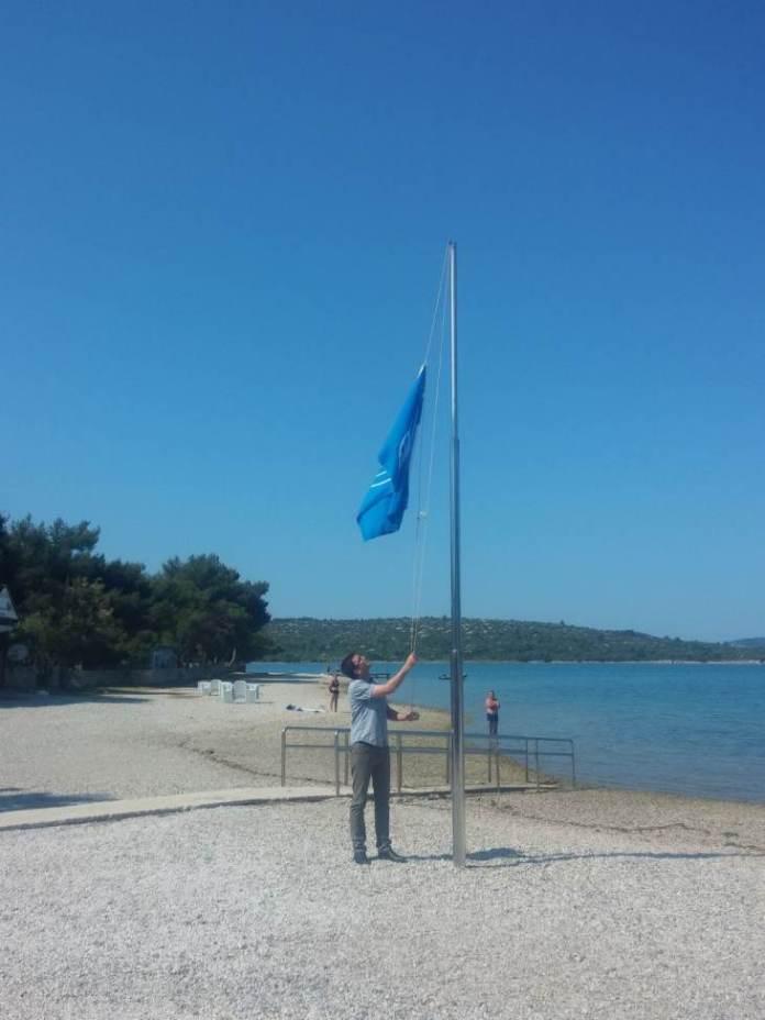 pirovac plaza zastava1
