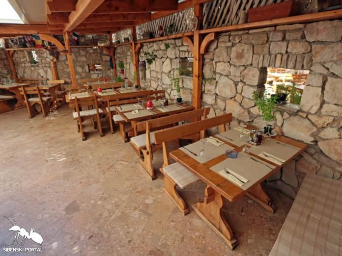 restoran dalmacija primosten 4