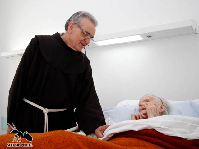 bolnicki kapelan fra mate topic 2
