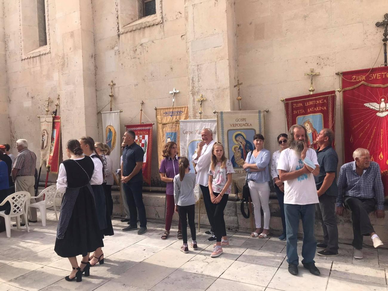 sv mihovil procesija katedrala (7)