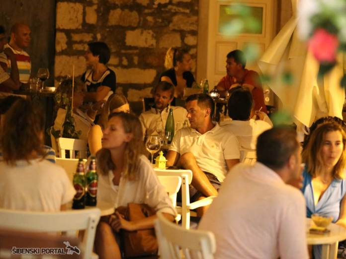 vintage bar dreamtime 040816 21