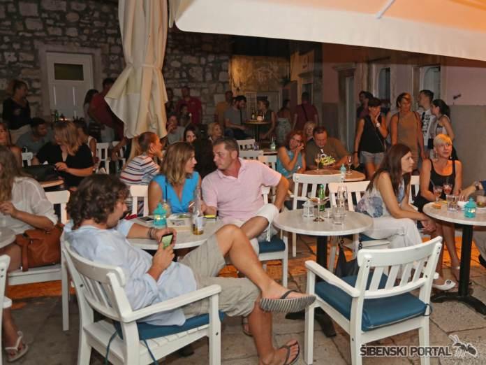 vintage bar dreamtime 040816 5