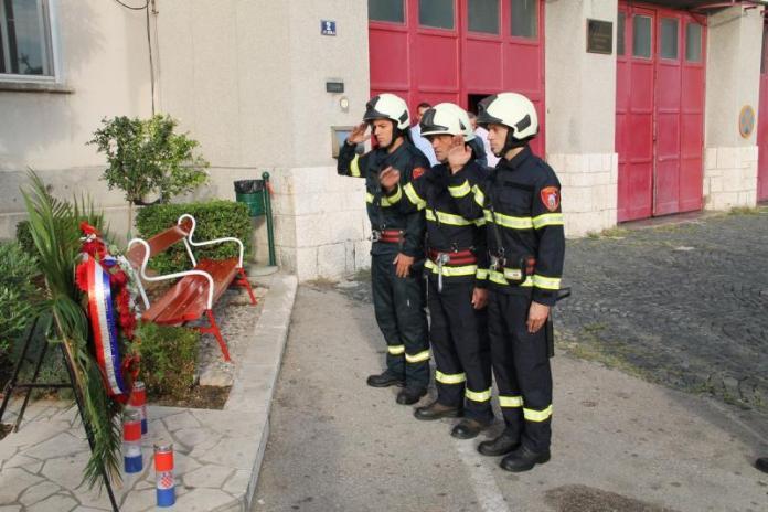 vatrogasci vijenci svijece (2)