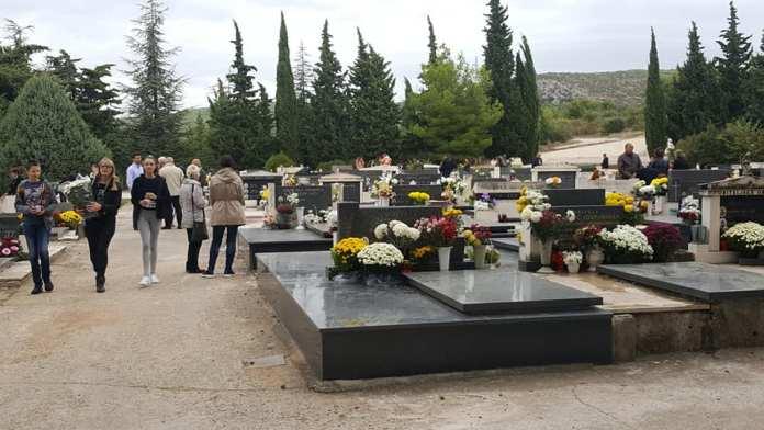 svi sveti groblja (12)