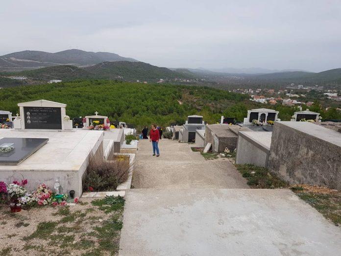 svi sveti groblja (5)