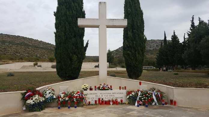 svi sveti groblja (8)
