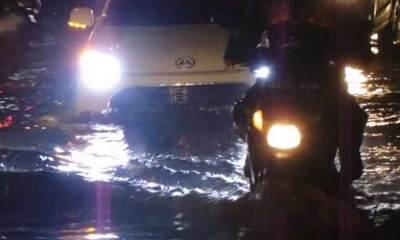 siber.news seperti tak ada-upaya-perbaikan-jl-raya-bojonggede-kerap-kali-menimbulkan-kemacetan-yang-diakibatkan-jalanan rusak