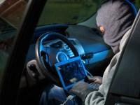 Hırsızlar, arabayı hackleyip götürdüler