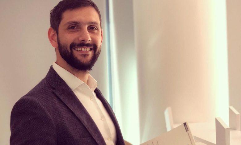 Gökhan Yüceler, Siber Bülten'e verdiği röportajda Türkiye Cumhuriyeti vatandaşlarına ait kişisel verilerden bazılarının yasal olmayan veri ticaretinin yapıldığı bir online platform olan Dark Web'de yok pahasına satıldığını söyledi.