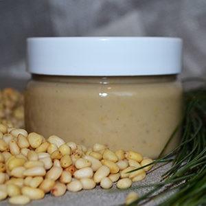 Мёд с кедровыми орешками ручной работы