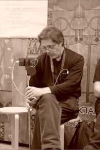 Тимур Ханов. Открытая дискуссия: «Судьба новаторского искусства в Новосибирске». Фото Александра Симушкина