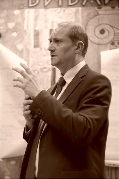 Евгений Сазонов. Открытая дискуссия: «Судьба новаторского искусства в Новосибирске». Фото Александра Симушкина