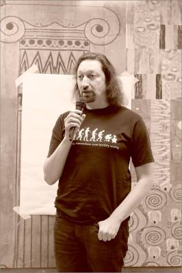 Роман Столяр. Открытая дискуссия: «Судьба новаторского искусства в Новосибирске». Фото Александра Симушкина