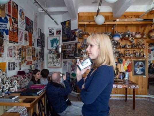 В мастерской художника Валерия Кузнецова. Фото Алексея Школдина