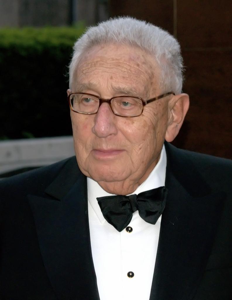 3942717501_e4ee3e9fcd_b_Kissinger