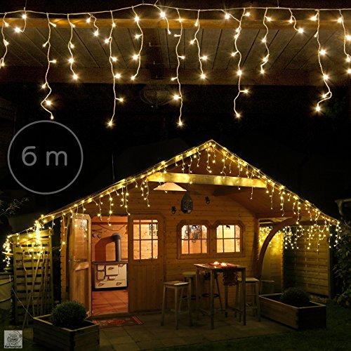 Cascate di luci ad effetto stalattite che creeranno una calda atmosfera natalizia ed un paesaggio invernale incantato. 240 Led 6m Tenda Luminosa A Cascata Luci Natale Bianco Caldo Interno Esterno