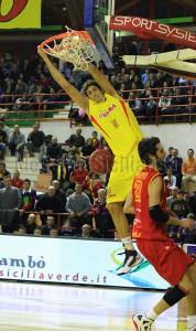 Partita pre pasquale della squadra Sigma Barcellona di pallacanestro