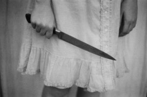 Donna con coltello