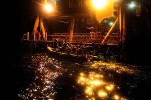 Assalto di Greenpeace a una trivella ENI in Sicilia