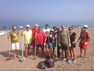 Pulizia spiaggia Barcellona 8-8-2015 a