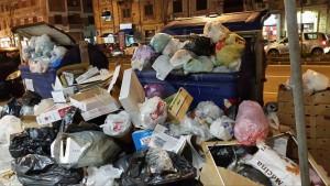 Rifiuti via Garibaldi 26-1-2016 d immondizia