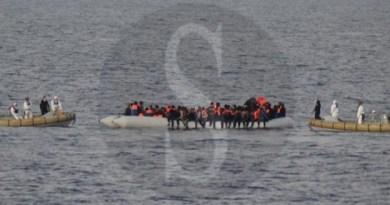 Noto, 8 migranti positivi al coronavirus: il sindaco rassicura e la Regione incalza Roma