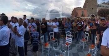 io-sto_con_le_donne_taormina_sicilians