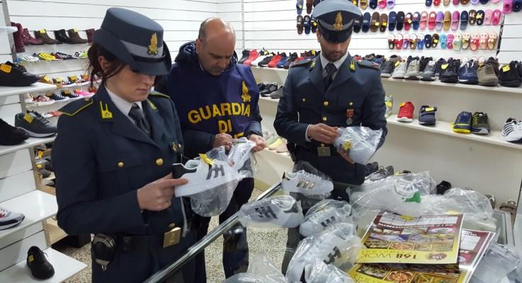 #Palermo. Lotta alla contraffazione, maxi sequestro a due imprenditori cinesi