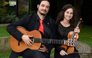 #Musica. Il siciliano Ten Strings Duo al Claxica di Modena