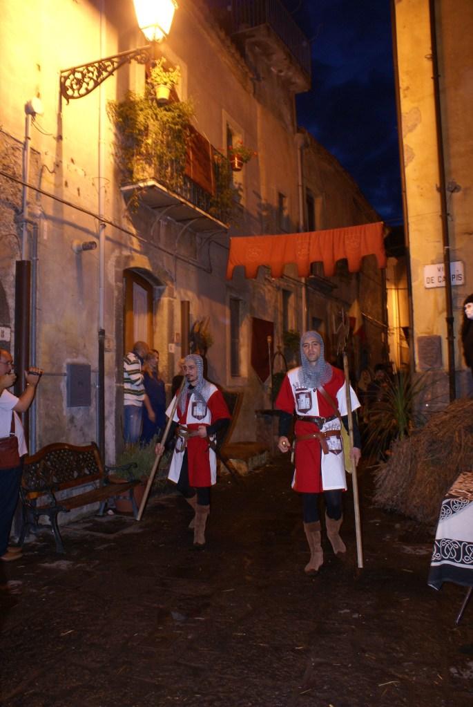 Festa Medievale di Randazzo (Ct). Guerrieri armati.