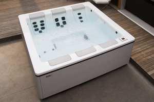 Hot Tubs By Bullfrog