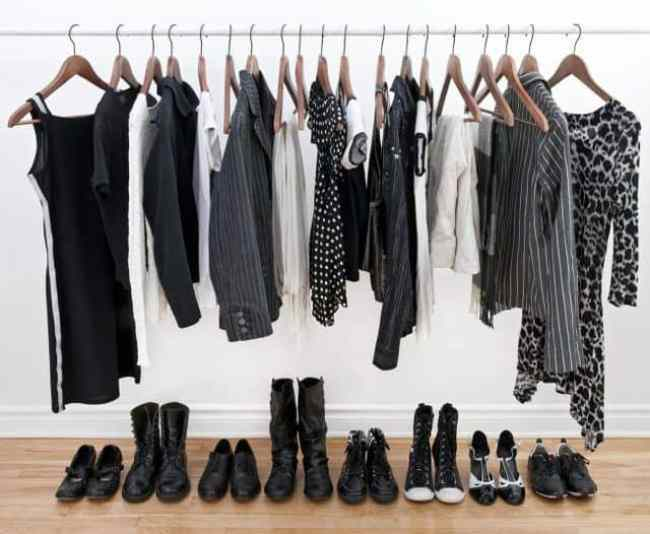 "How to Create a Capsule Wardrobe and Work ""Uniform"""