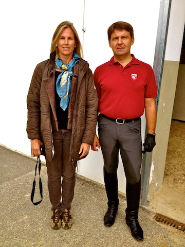 After her first day, Chief Rider Andreas Hausberger and Suzie pause at the Heldenberg training facility before heading to the tea room.