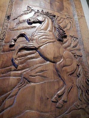 horse-custom-entry-door-plantationcabins