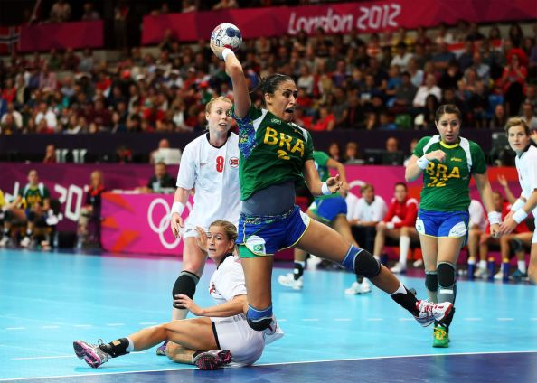 Sideline Socialite Olympics handball-inside-01