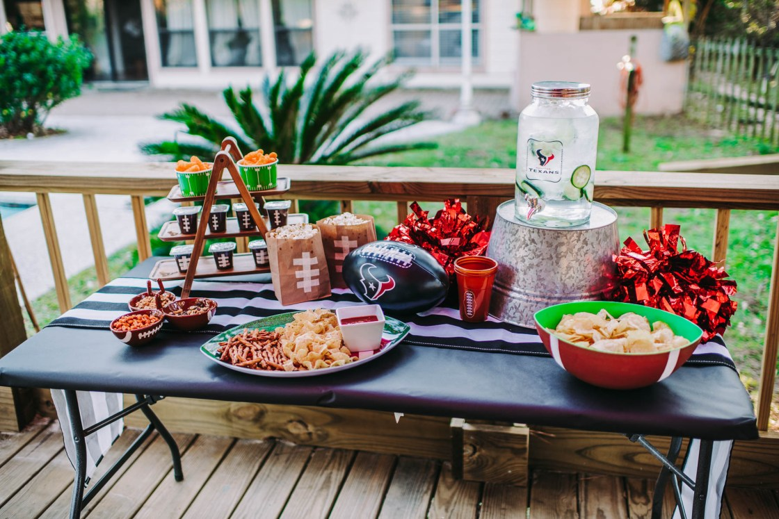 3 Easy Ways to Homegate Like A Boss Football game day ready, Super bowl watch party ready