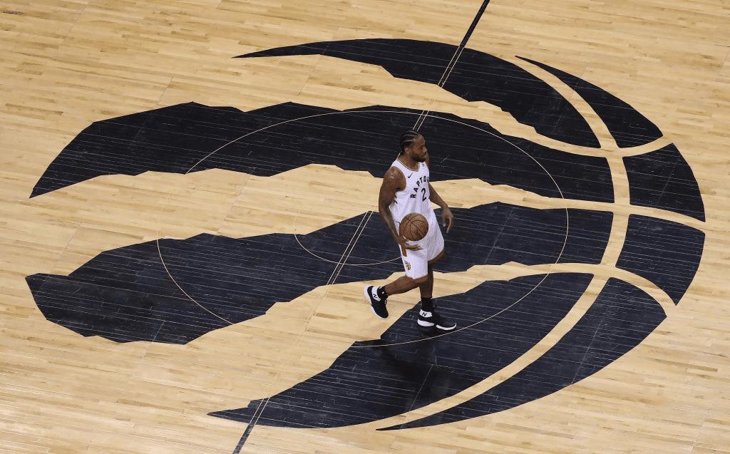 Toronto Raptors forward Kawhi Leonard (2) scored 45 points as the Toronto Raptors play the Philadelphia 76ers at Scotiabank Arena in Toronto. April 27, 2019.