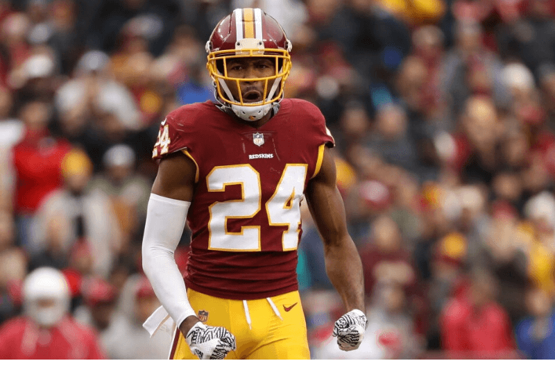 LANDOVER, MD - DECEMBER 17: Cornerback Josh Norman #24 of the Washington Redskins reacts after a play in the fourth quarter against the Arizona Cardinals at FedEx Field on December 17, 2017 in Landover, Maryland