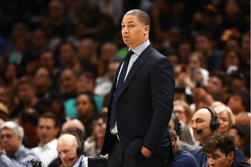 CLEVELAND, OH - JUNE 08: Head coach Tyronn Lue of the Cleveland Cavaliers looks on against the Golden State Warriors in the first half during Game Four of the 2018 NBA Finals at Quicken Loans Arena on June 8, 2018 in Cleveland, Ohio.