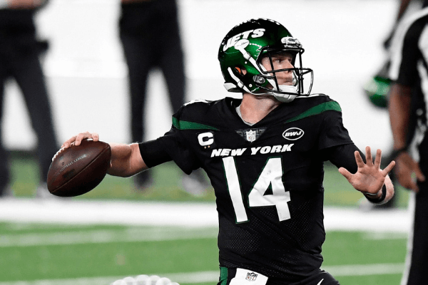 New York Jets quarterback Sam Darnold (14) throws against the Denver Broncos in the first half of a NFL game at MetLife Stadium on Thursday, Oct. 1, 2020, in East Rutherford. Nfl Jets Broncos