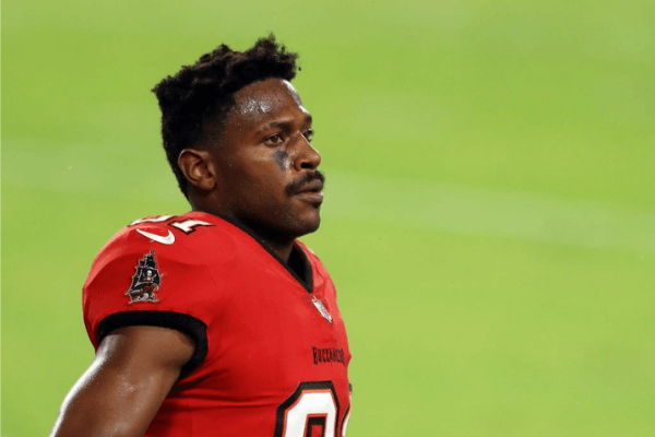 Antonio Brown #81 of the Tampa Bay Buccaneers looks on during the first half against the New Orleans Saints at Raymond James Stadium on November 08, 2020 in Tampa, Florida.