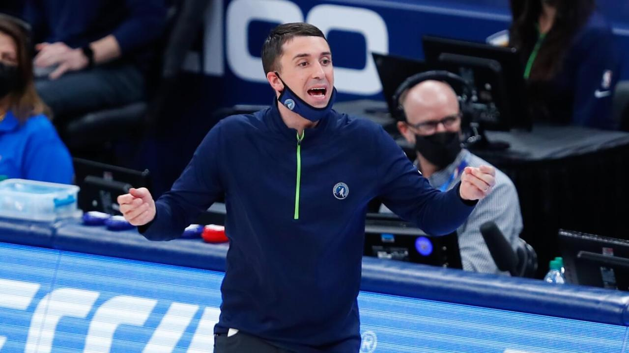 Minnesota Timberwolves head coach Ryan Saunders yells to his team on a play against the Oklahoma City Thunder in the first quarter at Chesapeake Energy Arena.