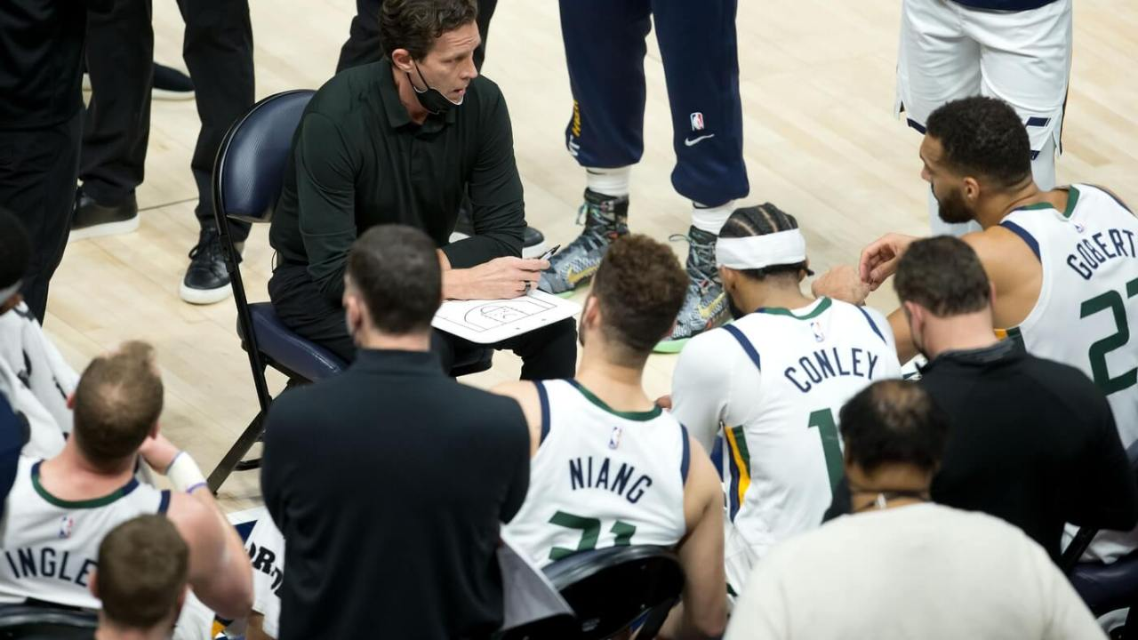 Mar 26, 2021; Salt Lake City, Utah, USA; Utah Jazz head coach Quin Snyder talks with his players during a time out in the first half against the Memphis Grizzlies at Vivint Smart Home Arena. Mandatory Credit: Russell Isabella-USA TODAY Sports